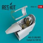 1-48-MiG-25-RB-RBT-Cockpit-set-ICM