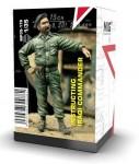 1-35-INSTRUCTING-IRAQI-COMMANDER