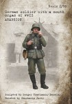 1-35-German-soldier-with-a-mouth-organ-of-WWII
