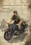 1-35-German-motorcyclist-I-WWII