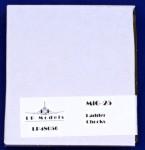 1-48-MiG-25-Laddet-+-Chocks-Set